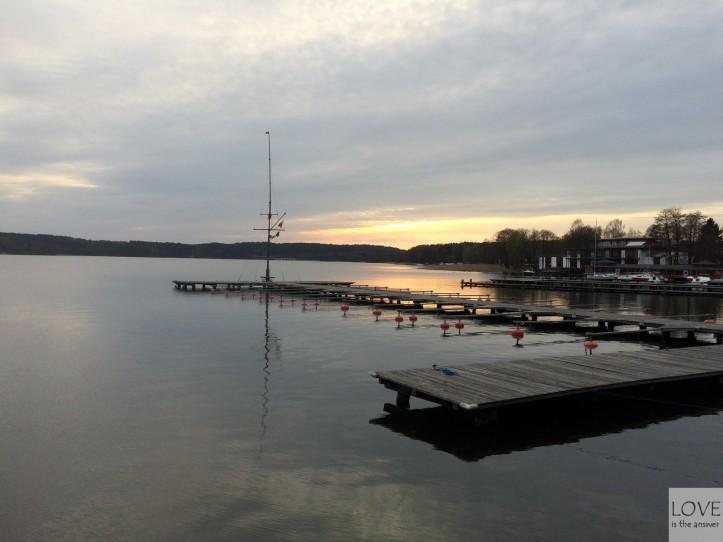 zachodzące słońce nad Jeziorem Ukiel