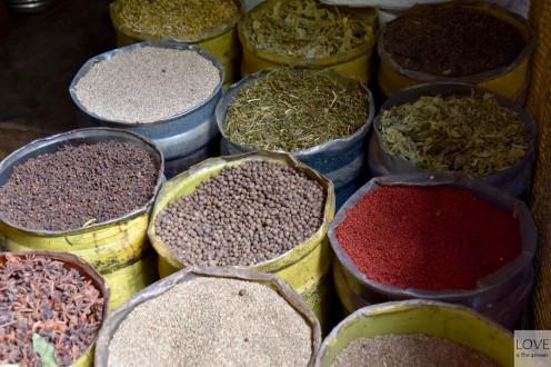 zioła i przyprawy na targu w Higuey