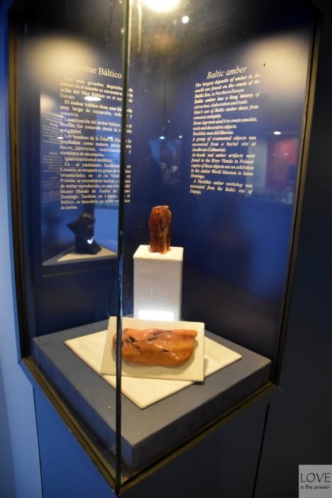 Bursztyn bałtycki w muzeum na Dominikanie
