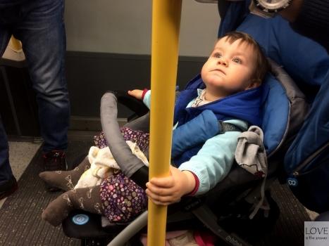 Ola w londyńskim metrze.