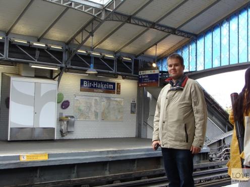 Stacja Bir Hakeim - tuż obok wieży Eiffla