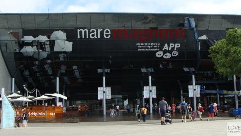 Maremagnum w porcie w Barcelonie