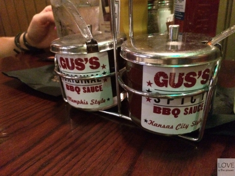sosy w Gus's Barbeque