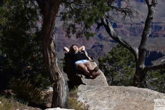 relaks na półce skalnej- Wielki Kanion