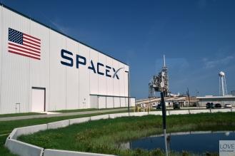 Spacex i ich platforma do wystrzeliwania rakiet