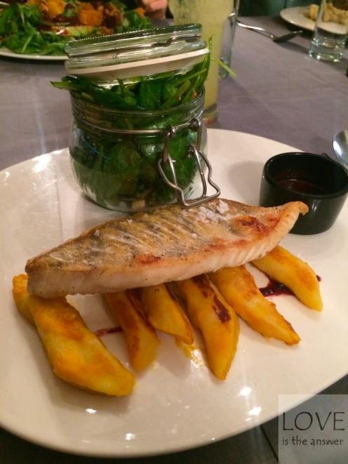 sandacz, dyniowe kluseczki i smakowite dodatki- restauracja Lalo
