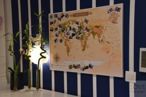 Mapa podróżników z pinezkami